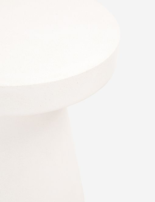 Risy Indoor / Outdoor Round Side Table, Ivory